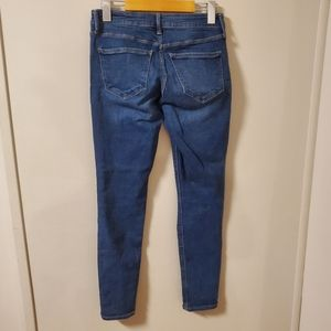 Old Navy Jeans - 🛍 Old Navy   Distressed Skinny jeans size 2